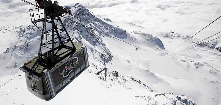 France_alpe_dhuez_pic-blanc-cable-car.jpg